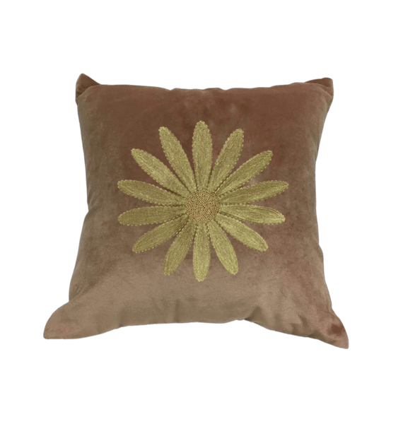 Velvet cushion embroidered daisy | A la Collection