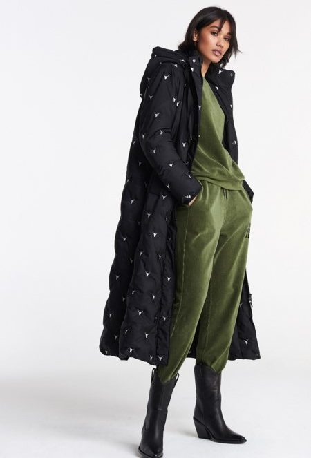 Embroidered bull puffer coat | Alix the label