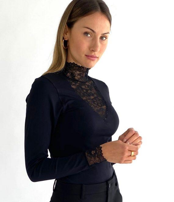 Vanessa v-cut blouse | Minus